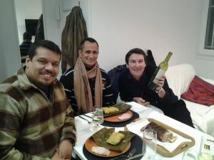 En compañía de los bailarines William Alcalá y Carlos Tapia