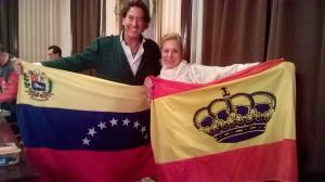 Álvaro de Marichalar con la bandera de Venezuela