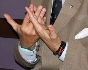 manos marichalar