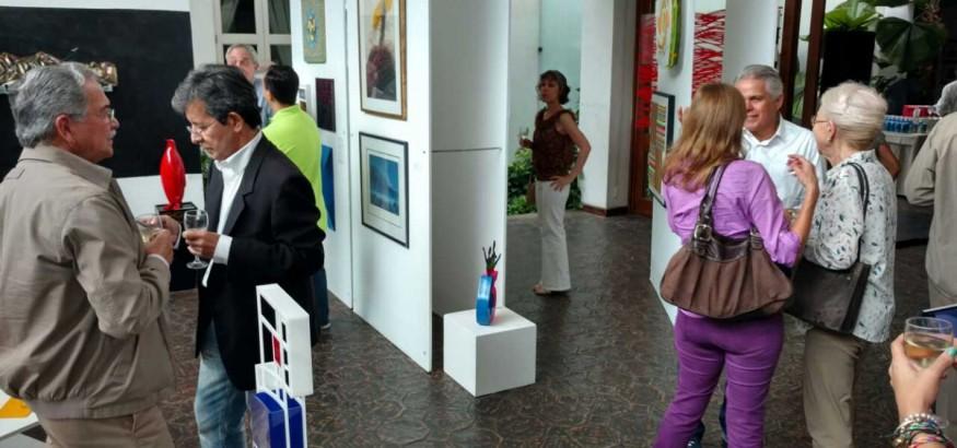 Exposición-de-arte-periodistas