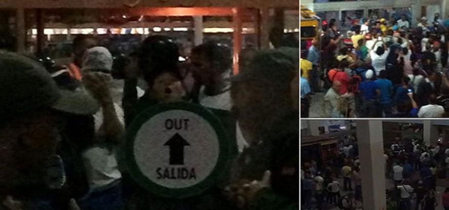 Capriles en aeropuerto de Margarita