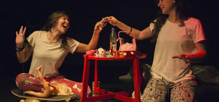 Natalia Romero en Juego de niñas para adultos