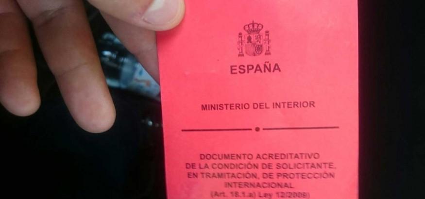 Tarjeta roja de asilo en España