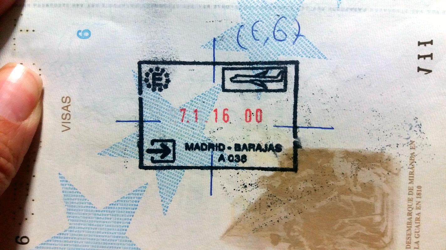 Inadmitidos en Barajas, así marcan sus pasaportes ...