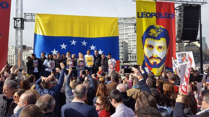 Venezolanos y españoles piden desde Madrid #NoMasDictaduraEnVzla