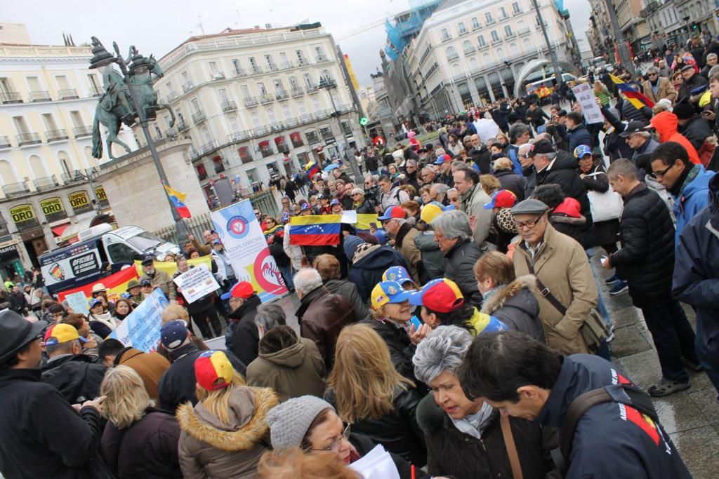 Manifestacion jubilados y pensionados venezolanos en Madrid
