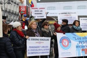 Pensionados en Madrid desesperados