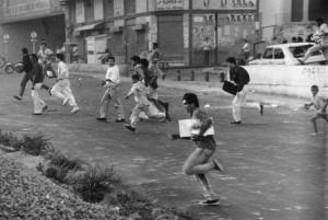 """Saqueadores El Caracazo. Foto: Francisco """"Frasso"""" Solórzano"""