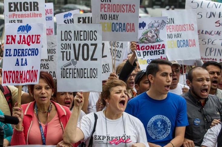 Periodistas venezolanos denuncian atropellos y lanzan campaña en Change.org