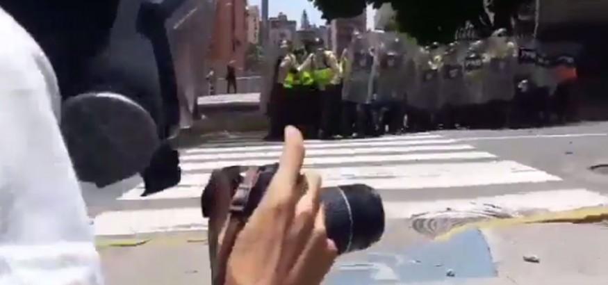 Agresiones a periodistas en Venezuela @CaraotaDigital @LuisGonzalopr