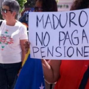 """""""Estamos cansados de los abusos del gobierno de Venezuela"""" dicen pensionados en Valencia"""