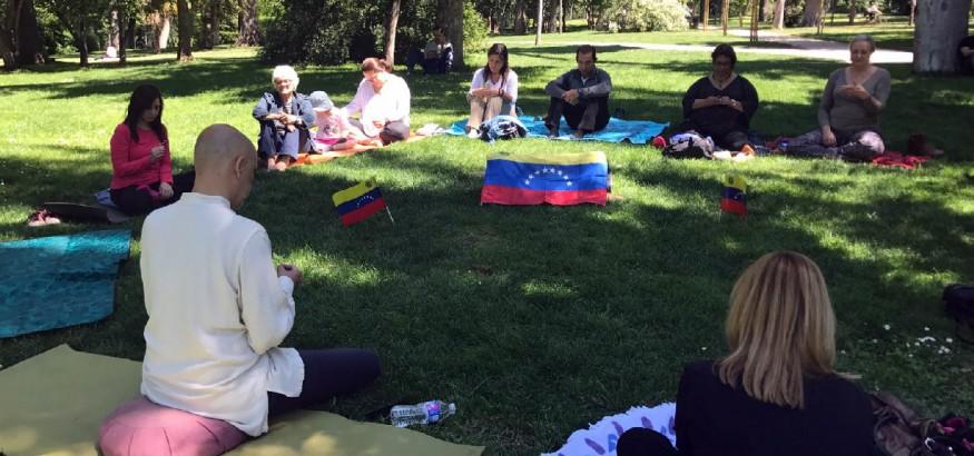 Meditación en Madrid por Venezuela