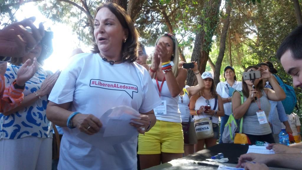 Mitzy Capriles en Plaza Colon