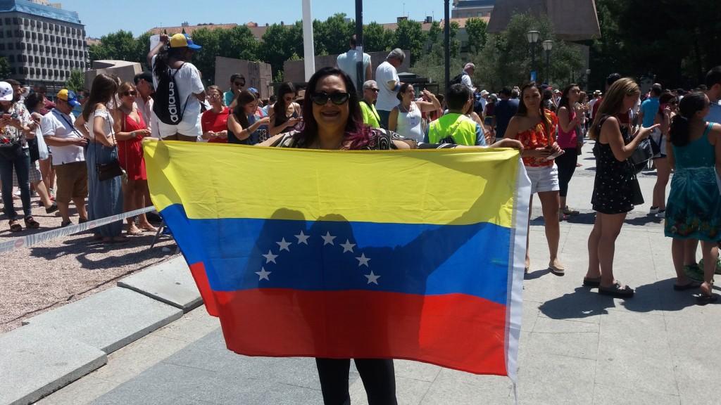 Edith Salazar en Conzulta Popular en Madrid y Barcelona