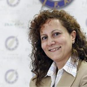 La presidenta de la FAPE, Elsa González, Miembro de Honor de Venezuelan Press