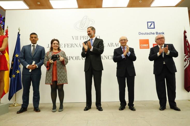 Daniel Paravisini recibe premio Jaime Fernández de Araoz de manos de S.M. el Rey