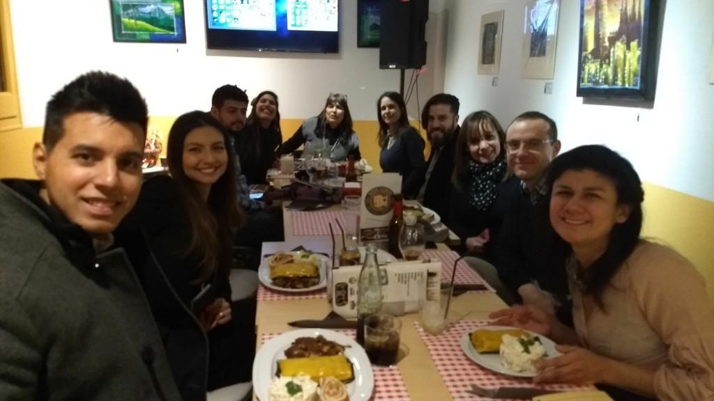 Periodistas de Venezuelan Press, delegación Barcelona, durante la cena de Navidad 2017