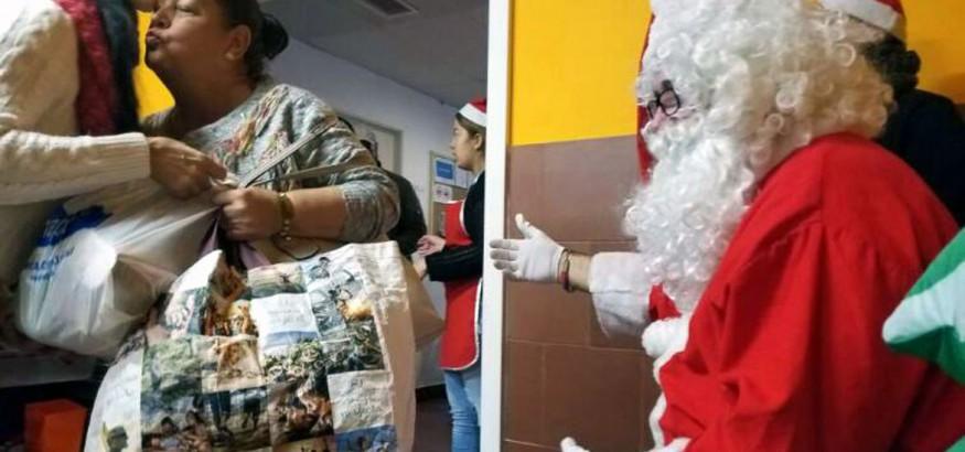 Familias venezolanas reciben ayudas por Navidad