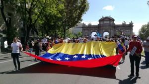 Venezolanos manifiestan el 20 de mayo en Madrid