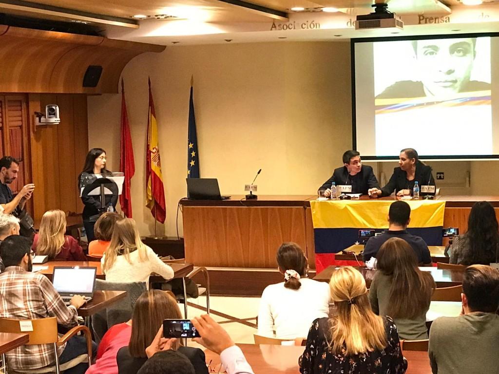 Lorent Saleh en rueda de prensa en Madrid. Foto: Lorena Arraiz