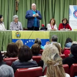 Antonio Ecarri abre su agenda de trabajo reuniéndose con la comunidad venezolana en España