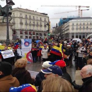 Venezolanos en Barcelona realizan vigilia para denunciar crisis humanitaria