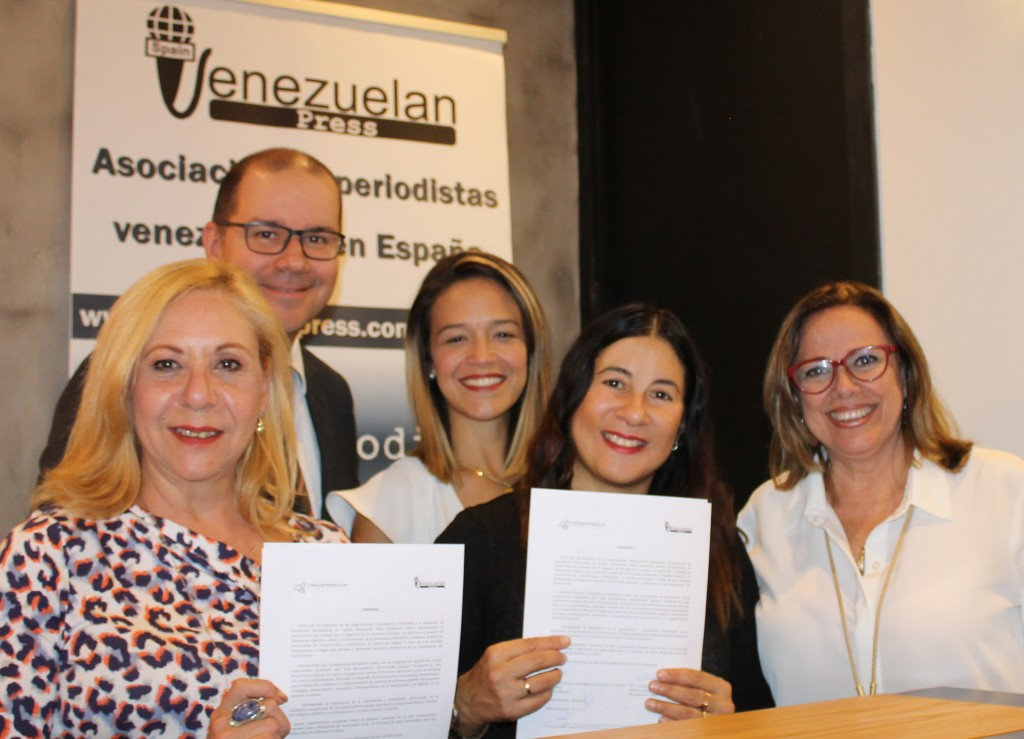 Transparencia Venezuela y Venezuelan Press firman convenio