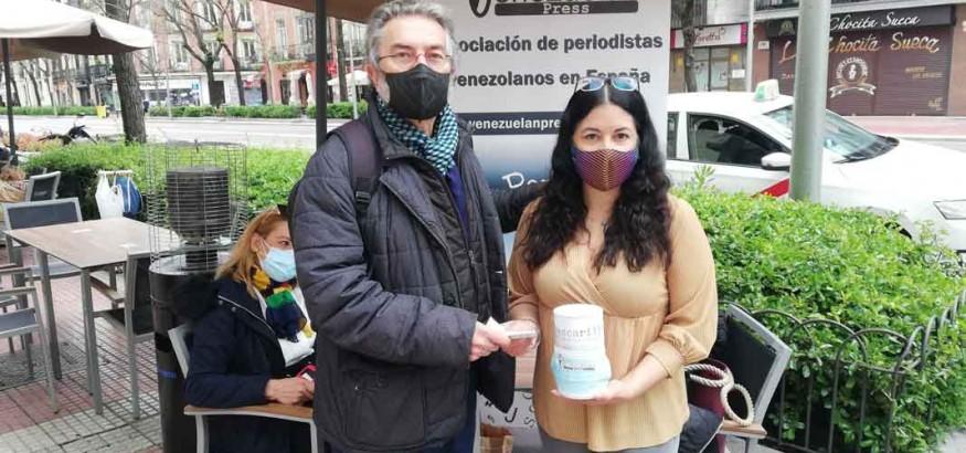 Una-cascarilla-para-los-periodistas en Venezuela recibe el apoyo de la API
