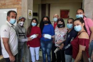 Lara recibe macarillas de Venezuelan Press